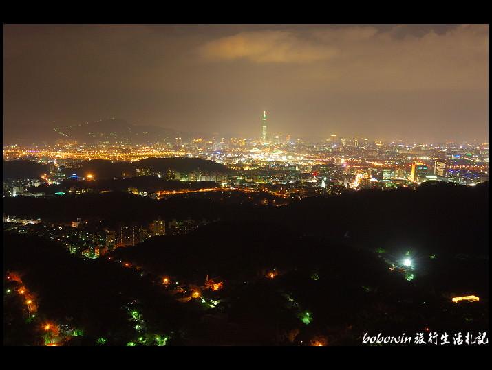 [  台北 ] 內湖碧山巖~眺望101夜景
